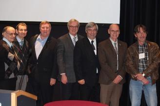 De g. à d. Gilles Cayouette, André Larose, Marcel Fournier, Guy Parent, Denis Racine, Louis Richer, Marc St-Hilaire : les conférenciers du colloque.
