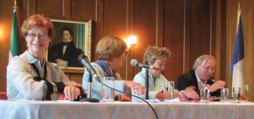 De g. à d. Marie Malavoy, Rita Dionne-Marsolais, Louise Beaudoin et Robert Comeau