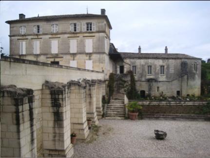 L'abbaye de Fontdouce (Charente-Maritime).