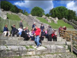 Le groupe de généalogistes québécois à Saintes (Charente maritime).