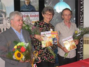 De g. à d. Père Jean-Yves Garneau, auteur, Françoise Deroy-Pineau et Robert Julien