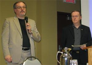 L'auteur de la base de données présentant son projet le 20 janvier 2010