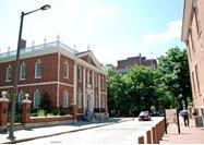 Même image sur photo quelques années plus tard. L'édifice abrite aujourd'hui l'American Philosophical Society.