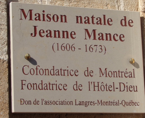 Plaque commémorative apposée sur la maison natale de Jeanne Mance